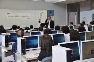 岩谷小学校と秋田北中学校および飯島中学校学区の教員向けの研修会を実施しました